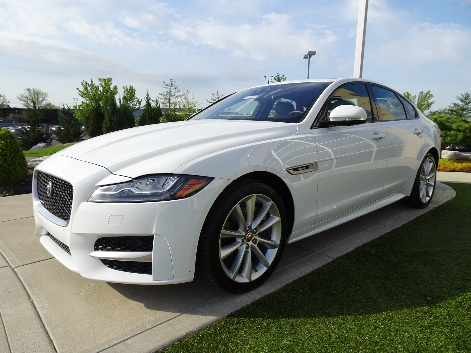Certified Pre Owned 2016 Jaguar Xf 35t R Sport 4dr Car In Cincinnati Pj3287 Land Rover